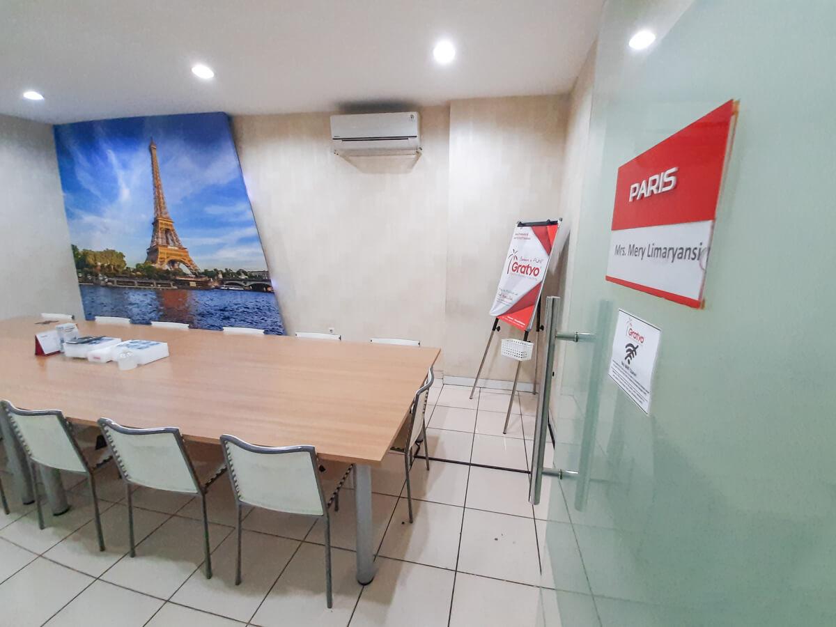 Sewa Meeting Room di Kelapa Gading - Paris Room - G-District
