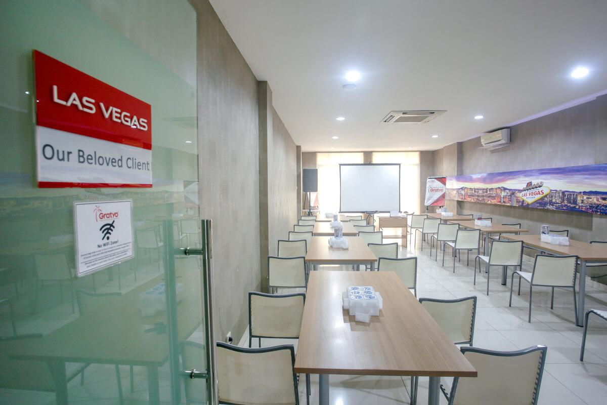 Sewa Ruang Meeting Dekat Mall Of Indonesia - Las Vegas Room - G-District