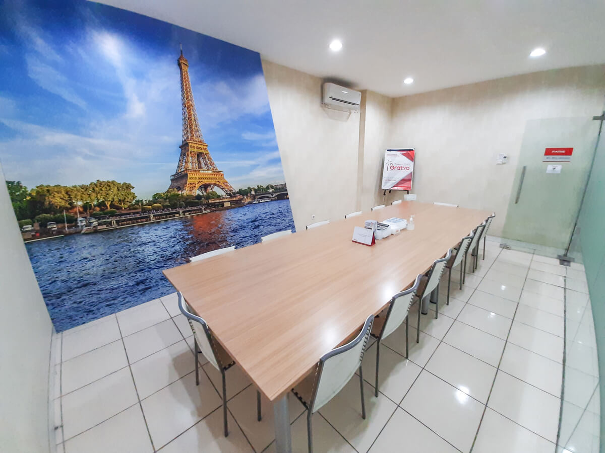 Coworking Space Semarang - Paris Room - G-district