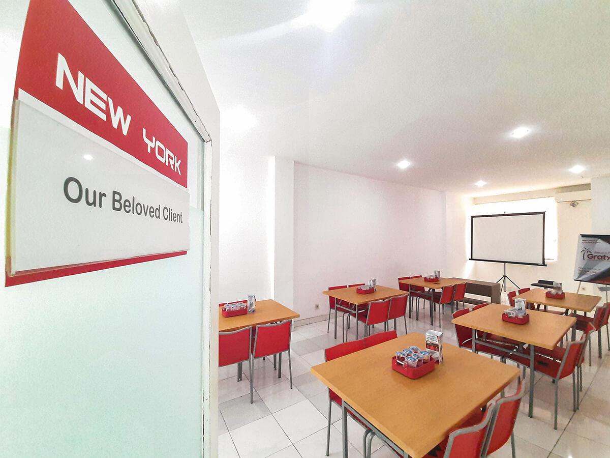 Sewa Ruang Meeting di Surabaya Jawa Timur - New York Room